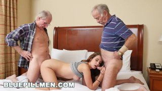 старик трахает невесту